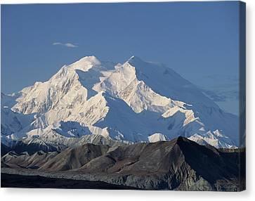 Usa, Alaska, Mount Mckinley, Denali Canvas Print by Gerry Reynolds