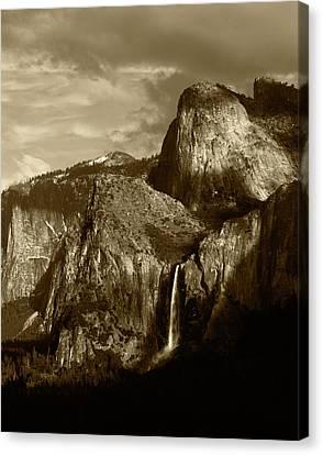 Usa, California, Yosemite National Canvas Print by Adam Jones