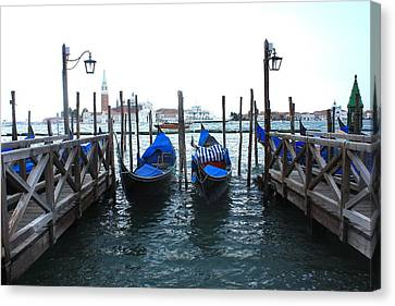 Canvas Print featuring the photograph Venice Italy by Jean Walker