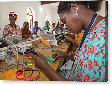 Women On A Solar Workshop Canvas Print by Ashley Cooper