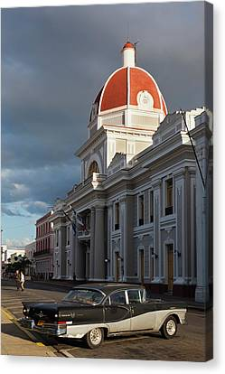 Cuba, Cienfuegos Province, Cienfuegos Canvas Print