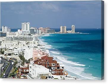 Cancun, Quintana Roo Canvas Print by Victor Elias