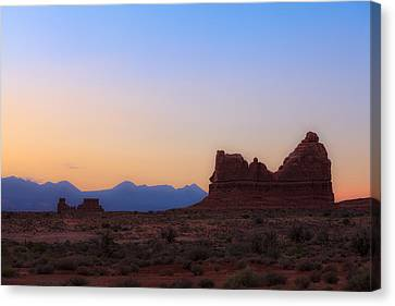 Desert Sunrise Canvas Print by Jonathan Gewirtz
