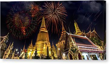 Firework On Wat Phra Kaeo  Canvas Print by Anek Suwannaphoom