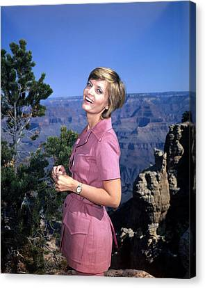 Florence Henderson In The Brady Bunch  Canvas Print