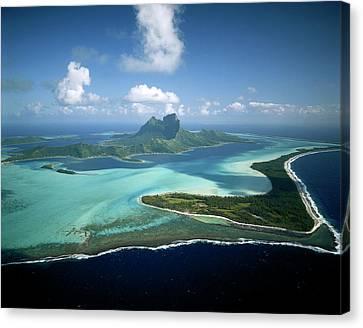 French Polynesia, Tahiti, Bora Bora Canvas Print