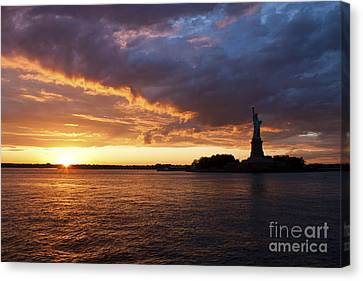 Glorious Sunset Over New York Canvas Print by Shishir Sathe