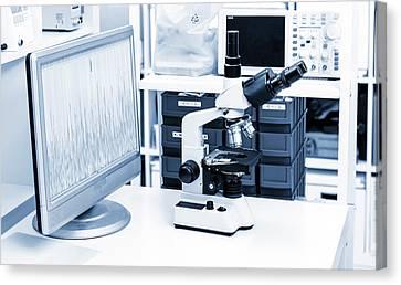 Lab Microscope Canvas Print by Wladimir Bulgar