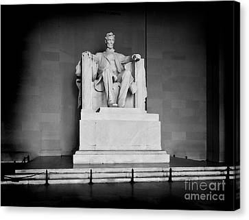 Us Capital Canvas Print - Lincoln Memorial by Lane Erickson