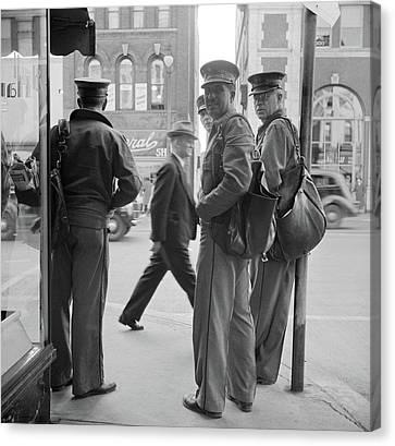 Collier Canvas Print - New York Amsterdam, 1941 by Granger