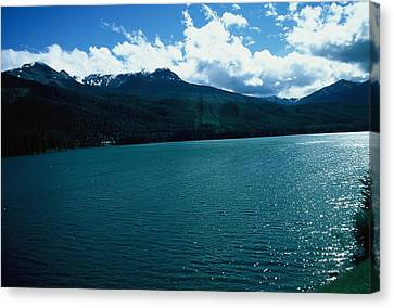 River And Mountains Canvas Print by Dick Willis