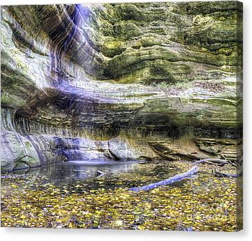 Saint Louis Canyon At Starved Rock Canvas Print by Twenty Two North Photography