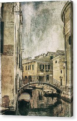 Venice Back In Time Canvas Print by Julie Palencia