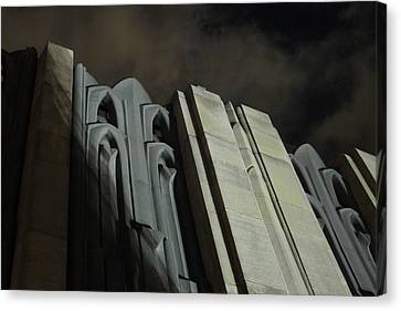 30 Rock Gothic 1 Canvas Print by Richard Reeve