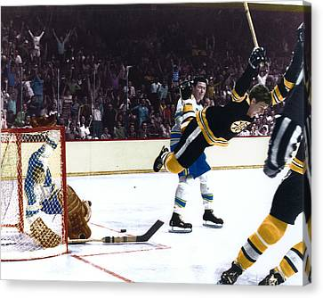 Bobby Orr Canvas Print by Retro Images Archive