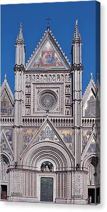 Europe, Italy, Umbria, Orvieto, Orvieto Canvas Print by Rob Tilley