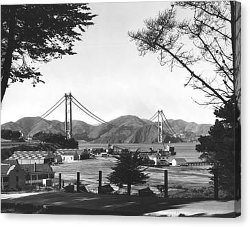 Golden Gate Bridge Work Canvas Print by Underwood Archives