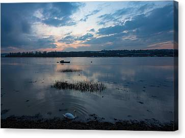 River Medway Sunset Canvas Print by Dawn OConnor