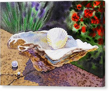 Sea Shell And Pearls Morning Light Canvas Print by Irina Sztukowski