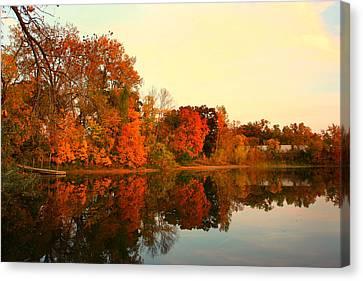 Shady Oak Lake  Canvas Print