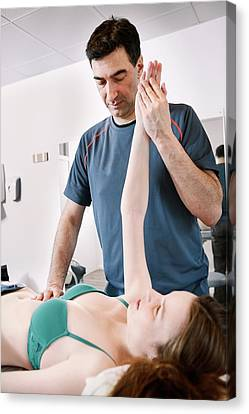 Shoulder Physiotherapy Canvas Print by Thomas Fredberg