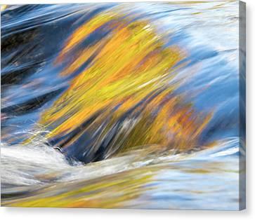 Usa, Michigan, Upper Peninsula Canvas Print by Julie Eggers