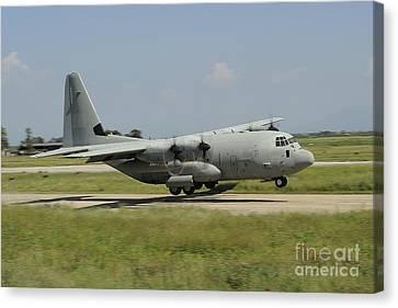 A C-130 Hercules Of The Italian Air Canvas Print by Remo Guidi