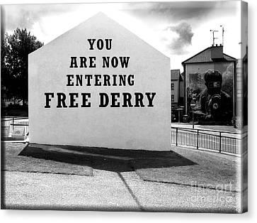 Free Derry Corner 5 Canvas Print