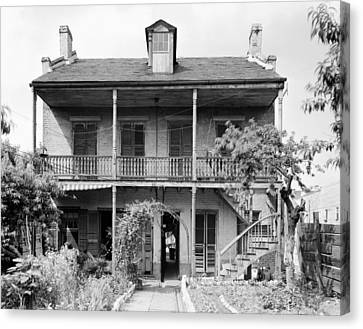 Canvas Print featuring the photograph New Orleans House by Granger