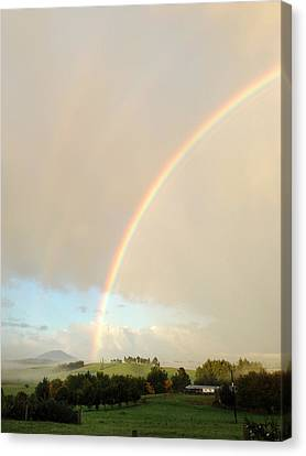 Rainbow Canvas Print by Les Cunliffe