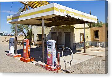 Route 66 Highway Signs Motels Gas Stations And Art Deco Architec Canvas Print