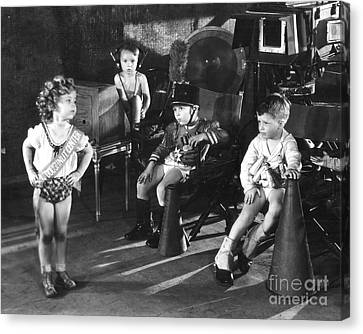 Shirley Temple And Gang Canvas Print by MMG Archives