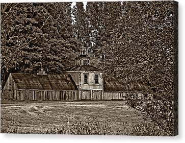 5 Star Barn Monochrome Canvas Print by Steve Harrington