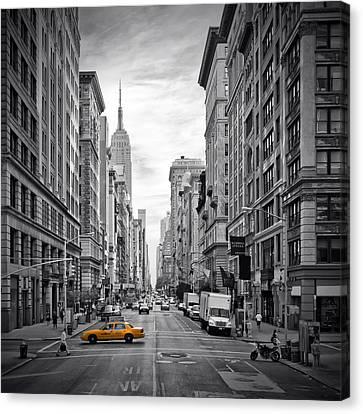 New York City 5th Avenue Canvas Print by Melanie Viola
