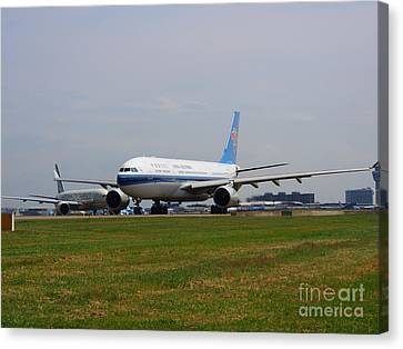 China Southern Airlines Airbus A330 Canvas Print by Paul Fearn