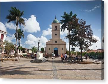 Cuba, Pinar Del Rio Province, Vinales Canvas Print by Walter Bibikow