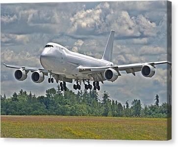 747 Landing Canvas Print