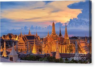 Grand Palace  Canvas Print by Anek Suwannaphoom