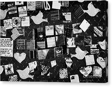 9 11 Tile Memorial Tiles Made By American Children And Displayed On Fence On 7th Avenue New York Usa Canvas Print by Joe Fox