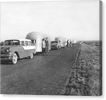 A Line Of Airstream Trailers Canvas Print by Underwood Archives