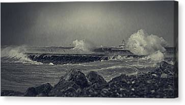 A Mighty Wind Canvas Print by Everet Regal