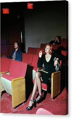 A Model Posing In Murray Hill Theatre In New York Canvas Print