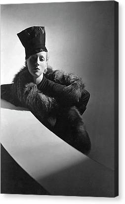 A Model Wearing A Turban And Stole Canvas Print