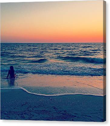 Canvas Print featuring the photograph A Moment To Remember by Melanie Moraga