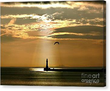 Canvas Print featuring the photograph Roker Pier Sunderland by Morag Bates