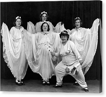 A Ny Theatrical Group Canvas Print by Underwood Archives
