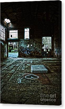 Canvas Print featuring the photograph A Place With Heart by Debra Fedchin