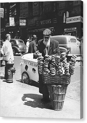 A Pretzel Vendor In New York Canvas Print