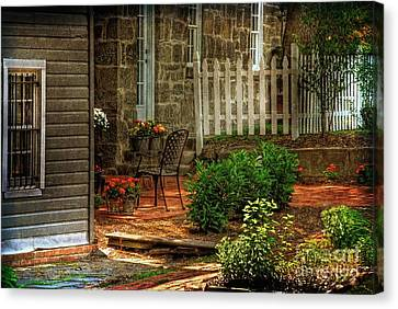 A Seat In The Shade Canvas Print by Lois Bryan