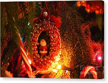 Canvas Print featuring the photograph A Treasured Santa by Laurie Lundquist